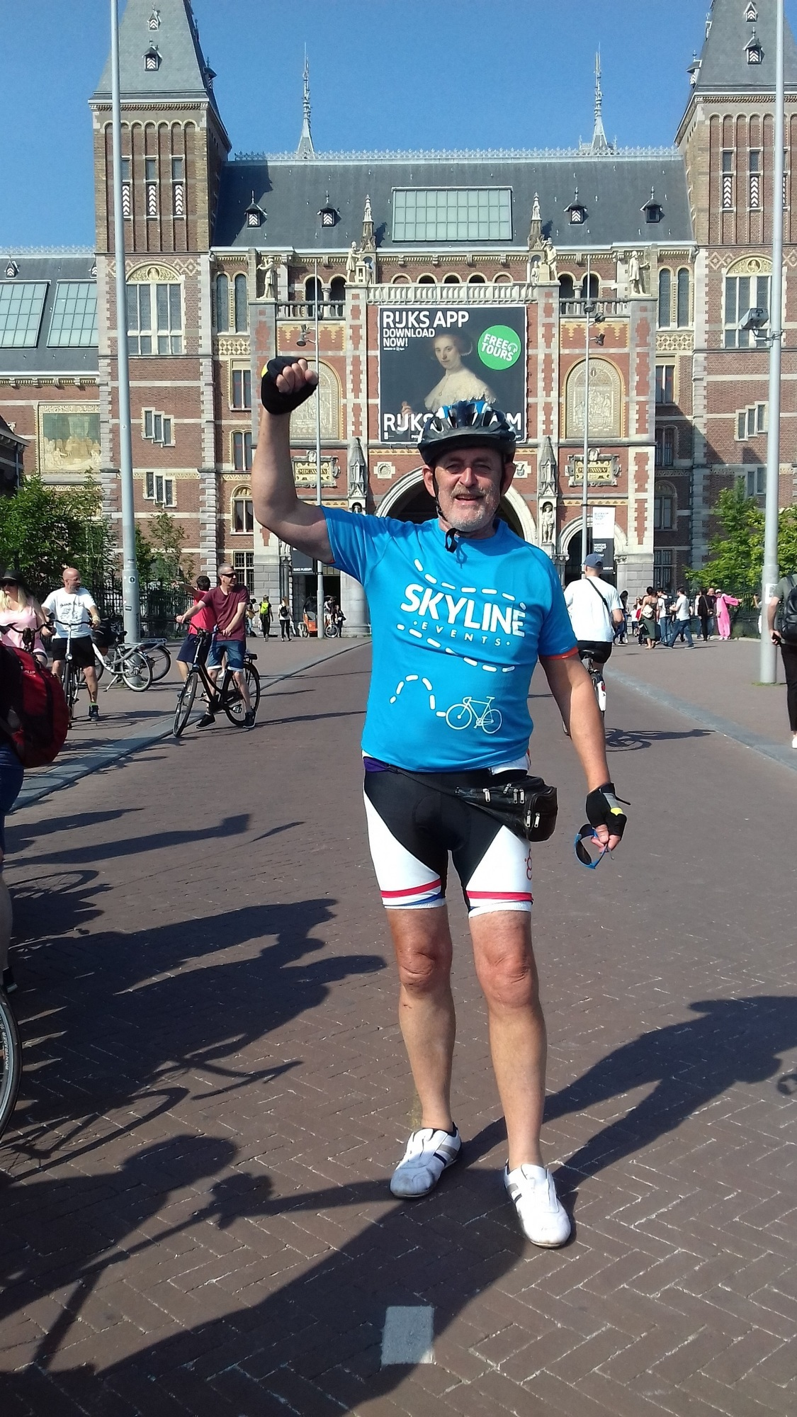Victory Hans reaches Amsterdam